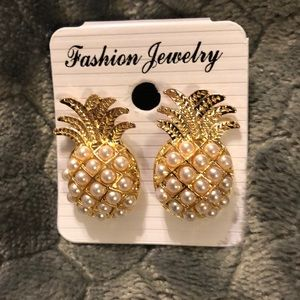 Atelier Sona Jewelry - NWOT🍍Faux Pearl Pineapple 🍍 Stud Earrings